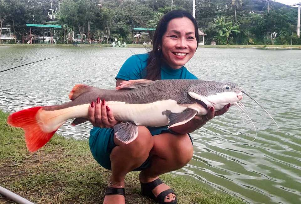 Thai Ladies Fishing-1