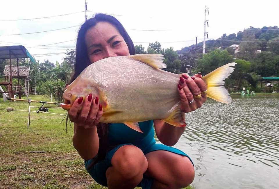 Thai Ladies Fishing-2