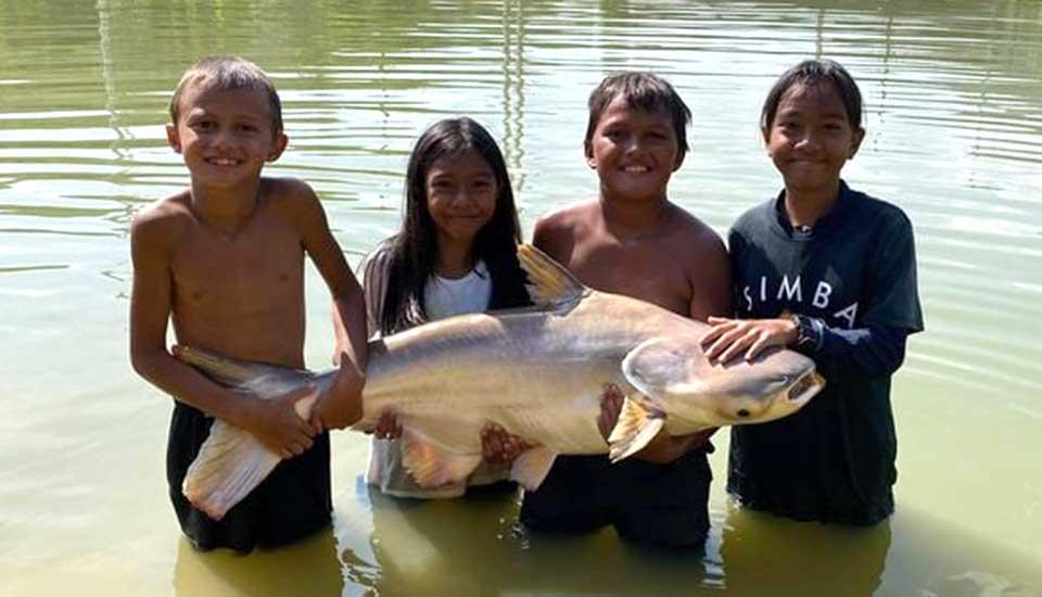More Kids Fishing